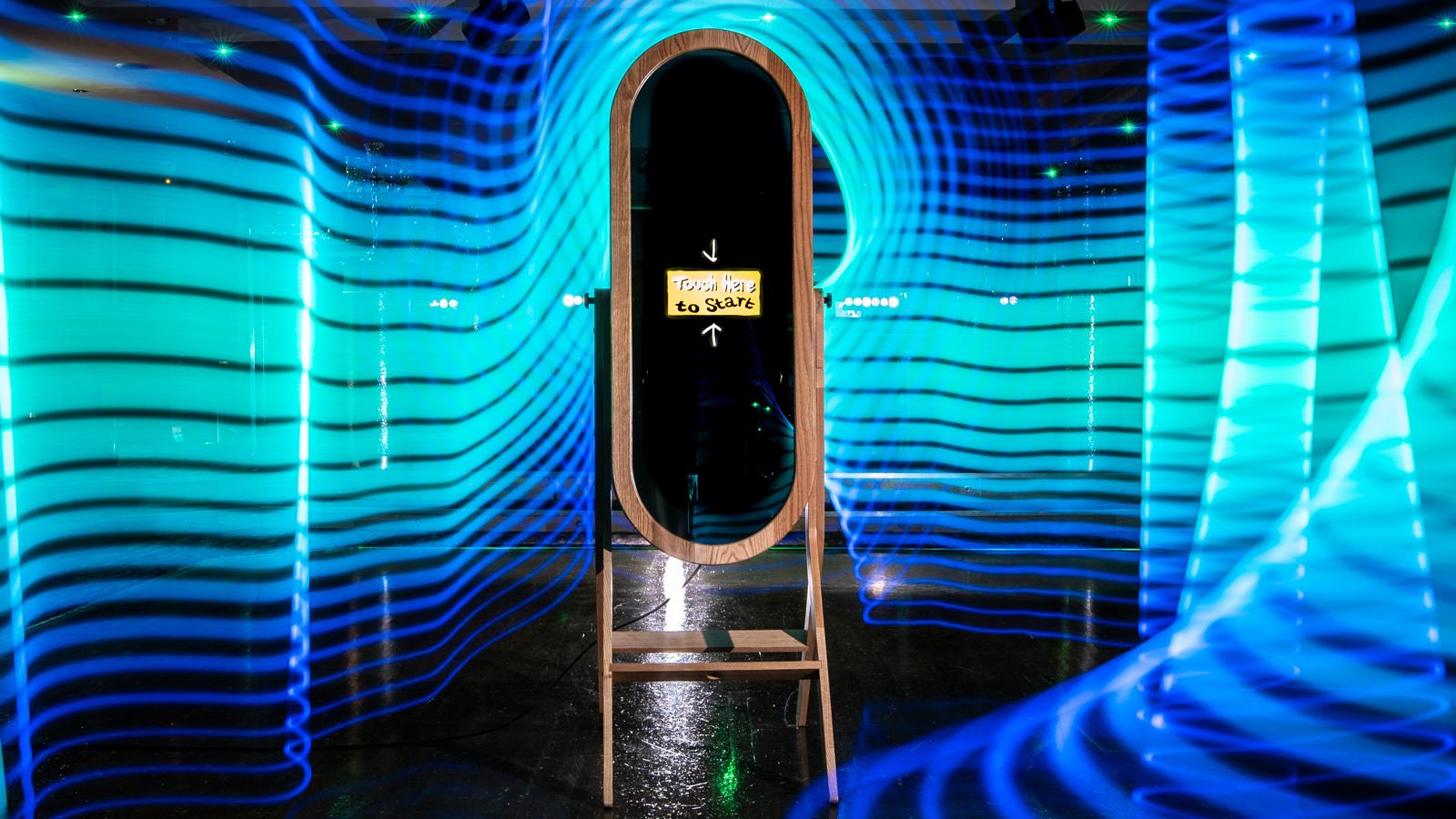 Retro Magic Mirror Photo Booth